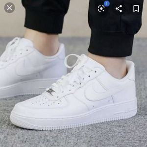 NWOT Nike Air Force 1 woman size 6 white